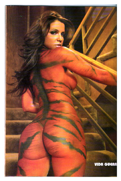 http://funhouse.bubble.ro/images/vida_guerra/vida_guerra_body_painting3.jpg